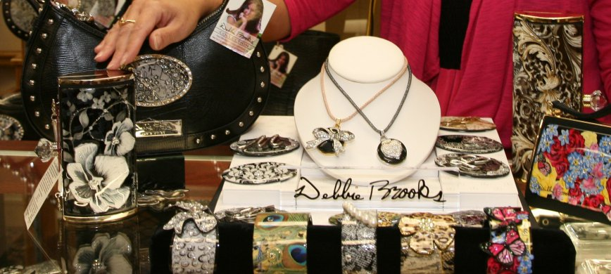Jewelry shopping in Thief River Falls