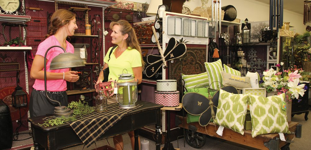 Home Decor & Specialty Shops in Thief River Falls